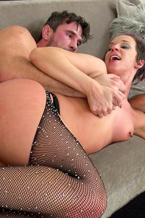Jada Stevens Anal Big Booty Queen Lets Manuel In Her Booty