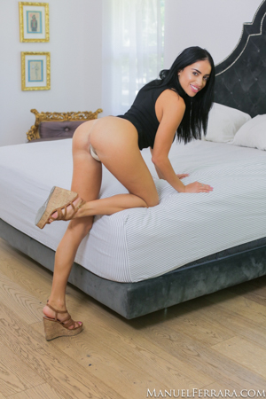 Victoria June Busty Beauty Gets Impaled By Manuels Huge Cock